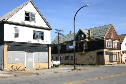 310 & 316 Paderewski at Lombard. Both of this retail buildings are at extreme risk (image Nov. 2010)